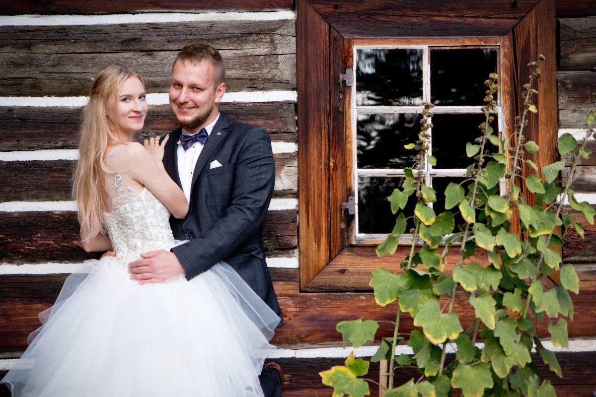 Ania i Kacper - Plener ślubny w Wygiełzowie 3
