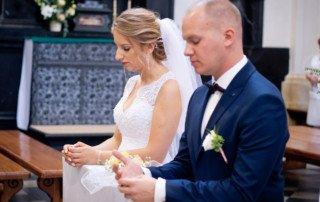 Gosia i Krzysiek - Zdjęcia ślubne w Czernej 5