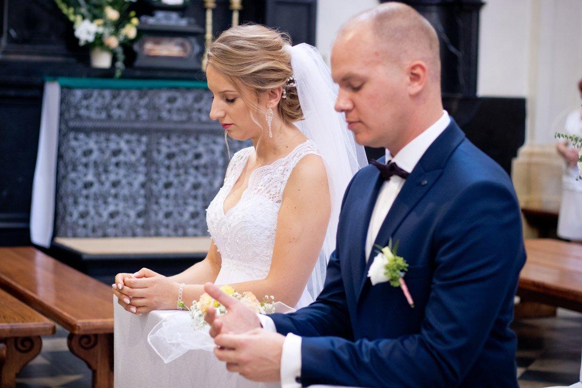 Gosia i Krzysiek - Zdjęcia ślubne w Czernej 2